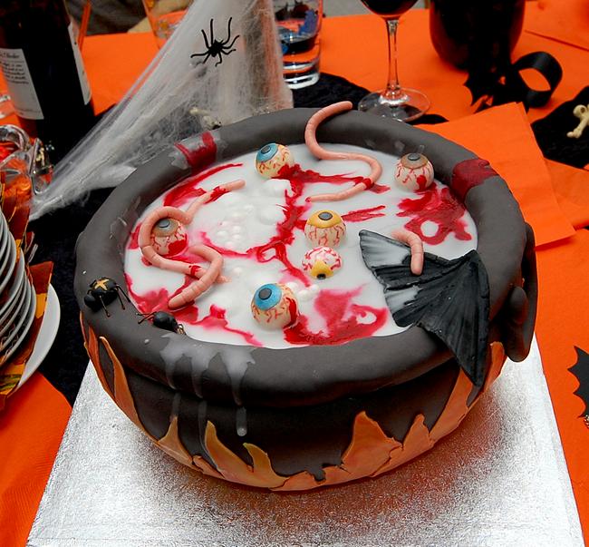 Halloween Cake - Christian Hass