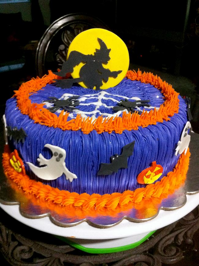 Halloween Cake - Mademira