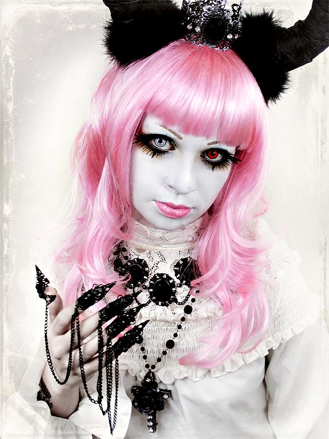 Ghostly Makeup - Necrosarium