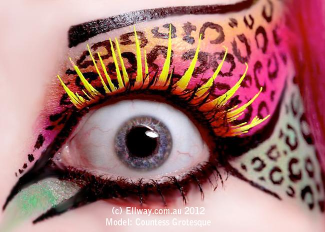 Halloween Eyes - Countess Grotesque