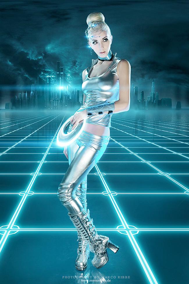 Sina Domino Collins - Cybertron