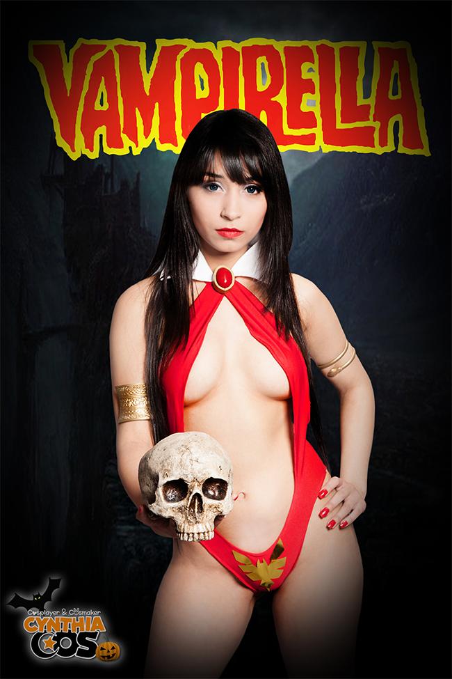Vampirella - Cynthia Cosplay