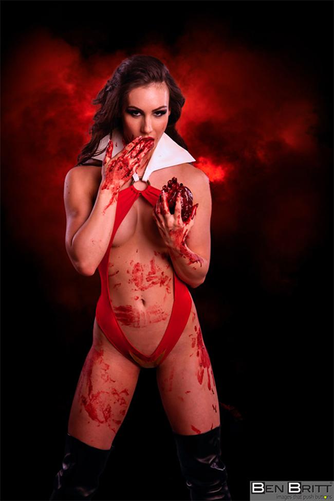 Vampirella - Julia Leigh