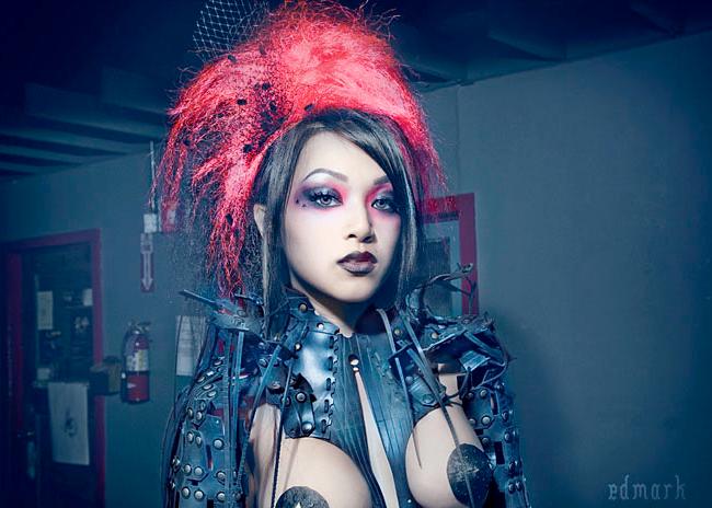 Vampy Linda Le - Zombie Circus